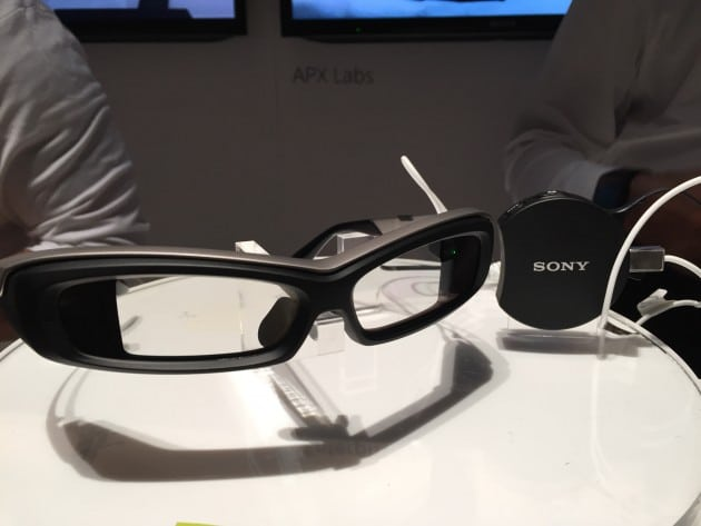 sony-smarteyeglass-and-controller