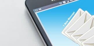 Getting-emails-on-mobile-phone