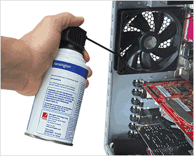 cleaning-vent-with-compressed-air