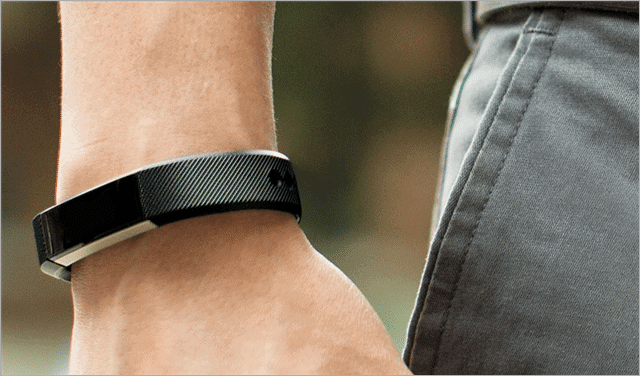 tech-gift-ideas-fitbit