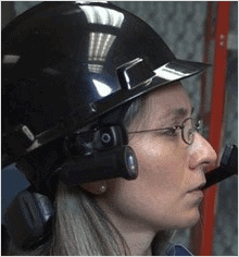 construction-overseer-wearing-the-hc1-headset-computer
