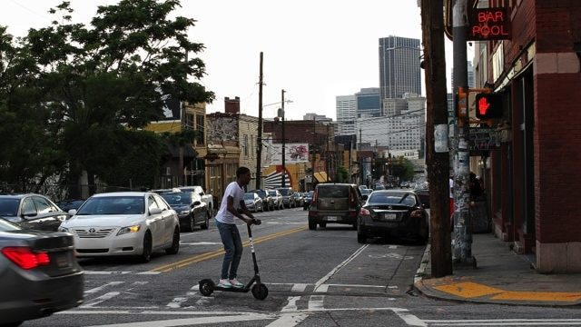 Electric-scooter-at-intersection
