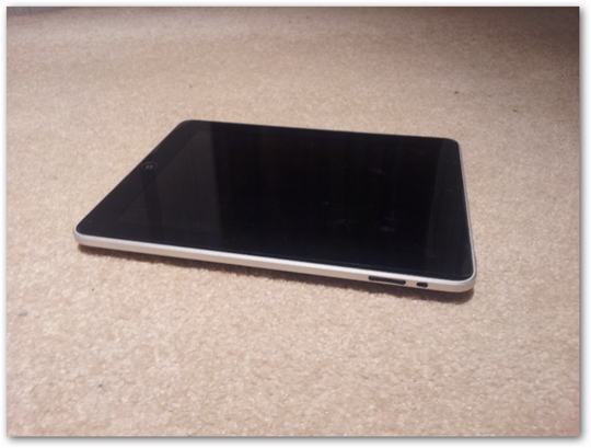 ipad-apple-tablet-exterior-hardware
