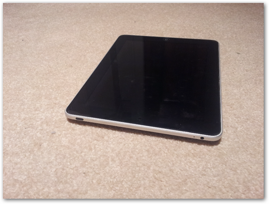 apple-ipad-device-tablet-hardware